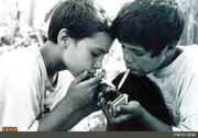 تاثیر عجیب والدین «معتاد»، بر اعتیاد کودکان