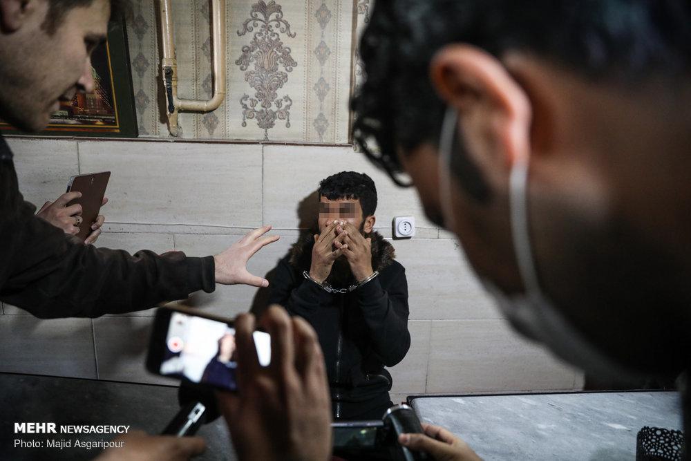 تصاویر | بازسازی صحنه جرم متهم به تخریب اموال شهروندان