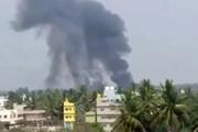 فیلم   لحظه شوکهکننده سقوط یک جنگنده در هند