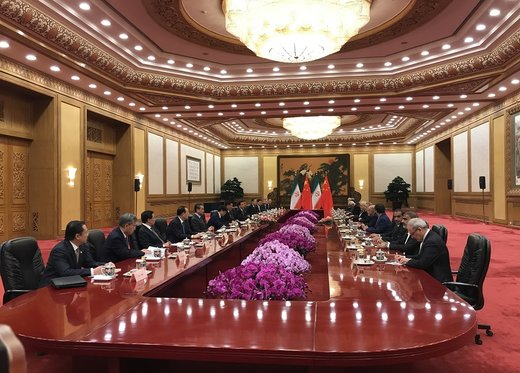 الرئيس الصيني يوكد علي تطوير العلاقات الاستراتيجية مع ايران