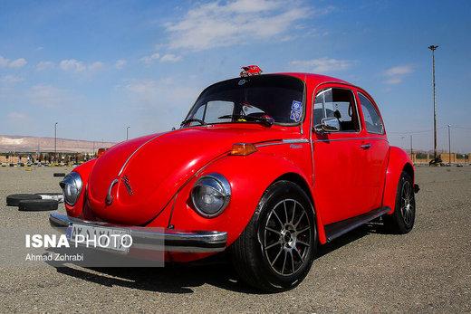 همایش خودروهای کلاسیک و اسپورت در قم