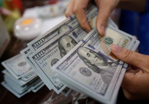 دلار ۶۵۰ تومان گران شد/ افزایش تقاضا در بازار ارز