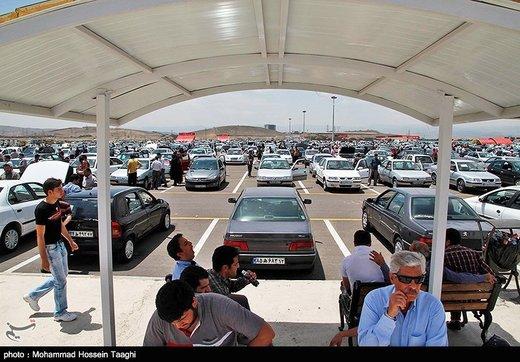 قیمتها در بازار خودرو ساعت به ساعت میریزد