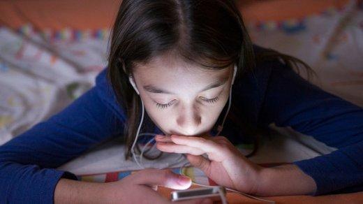 خطر استفاده شبانه از شبکههای اجتماعی برای سلامت نوجوانان