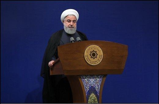 روحاني يشكر وزيري الخارجية والنفط لتحملهم الضغوط