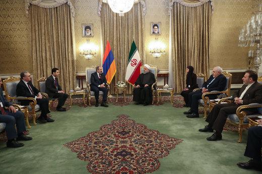دیدار رئیس جمهور با نخست وزیر ارمنستان