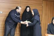 به مناسبت هفته بزرگداشت مقام زن : مراسم تجلیل از بانوان شاغل در شرکت فولاد اکسین برگزار شد