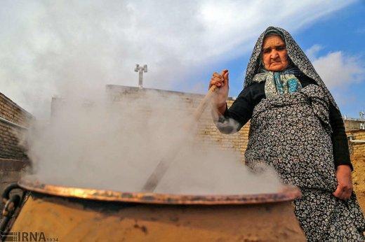 آیین سنتی سمنو پزان شهر درق