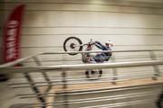 اولین پلهنوردی با موتورسیکلت در برج میلاد