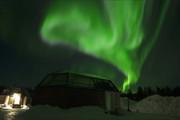 فیلم | لحظات رویایی تماشای شفق قطبی در آسمان فنلاند
