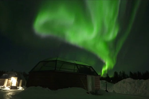 فیلم   لحظات رویایی تماشای شفق قطبی در آسمان فنلاند