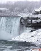 طوفانهای زیر صفر درجه زمستانی، آبشار نیاگارا را منجمد کرد