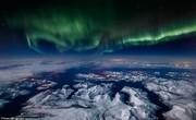 تصاویر | شفقهای قطبی از پنجره هواپیما