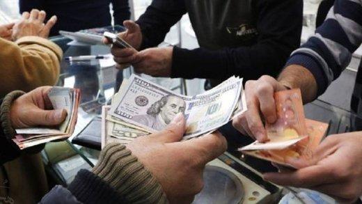 اتفاق عجیب در بازار ارز/ دلالان درباره کاهش نرخ ارز چه میگویند؟