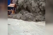 فیلم | لحظه هولناک انفجار سیلوی ذخیره سیمان