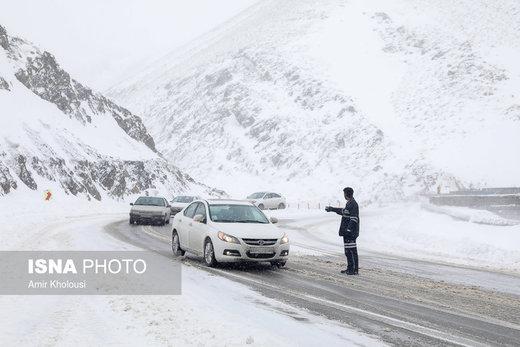 بارش برف و باران در جادهها/ بدون آمادگی به جادهها نزنید!