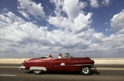تصاویر | خودروهای کلاسیک آمریکا جاذبه توریستی هاوانا شدند