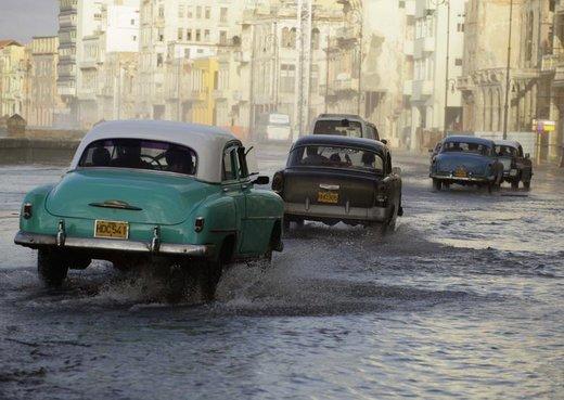 تردد خودروهای کلاسیک آمریکایی در کوبا