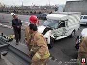 تصاویر | نشت گازوئیل کامیون در بزرگراه آزادگان حادثه آفرید