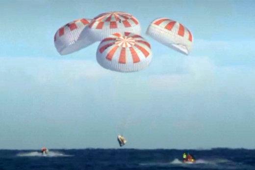 فیلم | لحظه فرود دراگون در اقیانوس اطلس