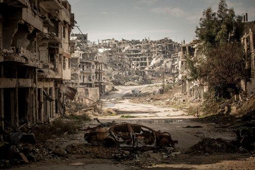 ویرانیهای شهر حمص سوریه، برخی از ساکنان تلاش میکنند تا خانه های خود را بازسازی کنند