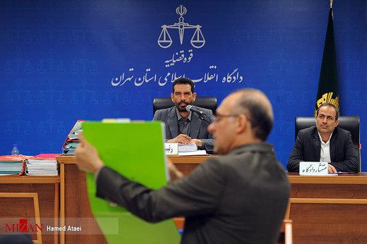 روزنامه جمهوری اسلامی: در پرونده پتروشیمی، ۸ مدیر دولت احمدینژاد حضور دارند، چرا آنها را محاکمه نمیکنید؟