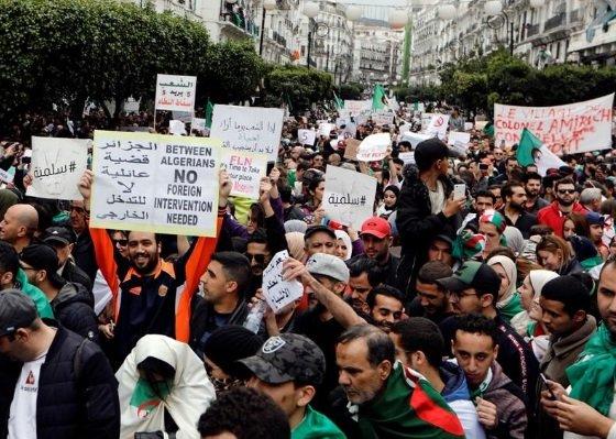 مردهای که نفس میکشد و کشوری که از بهار عربی جا ماند