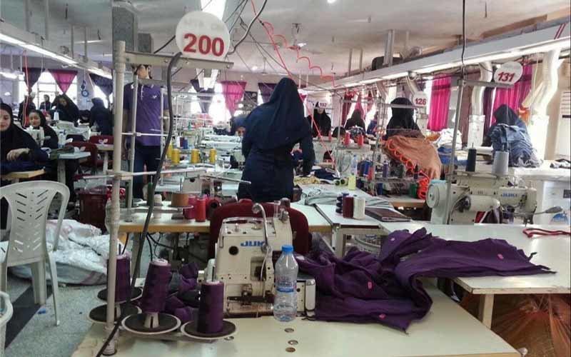 رئیس اتحادیه پوشاک: واردات نداریم که کاهش پیدا کرده باشد!