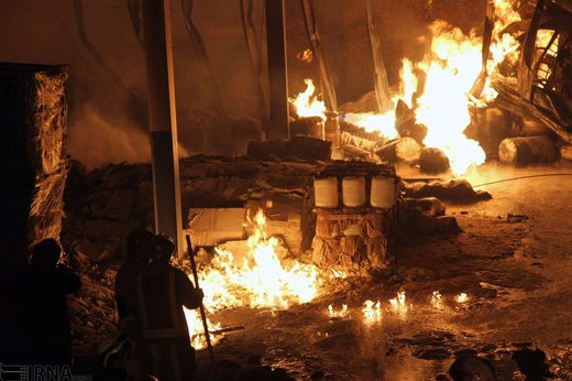 آتشسوزی یک واحد تولیدی در شهر صنعتی البرز
