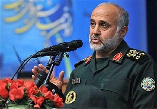 سرلشکر رشید: تهدیدکنندگان را از رویارویی با ایران پشیمان خواهیم کرد/ باید دشمن را در باورهایش شکست داد