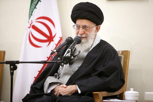 خاطره جالب رهبری از امام(ره)/ قبل از تکمیل جمله گفتند: من از هیچچیز نمیترسم!