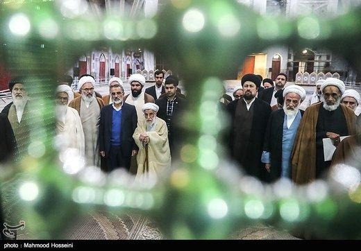 عکس | تجدید میثاق اعضای مجلس خبرگان با آرمانهای امام (ره)