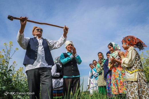 آیین سنتی نوروزخوانی در روستای بالاجاده استان گلستان