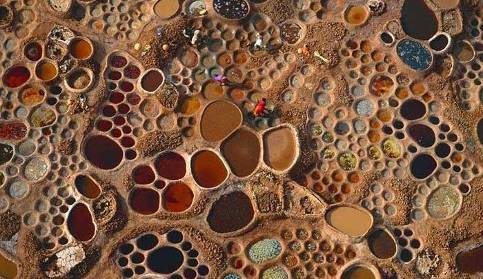 تصاویر   حوضچههای رنگی و تماشایی نمک در نیجر