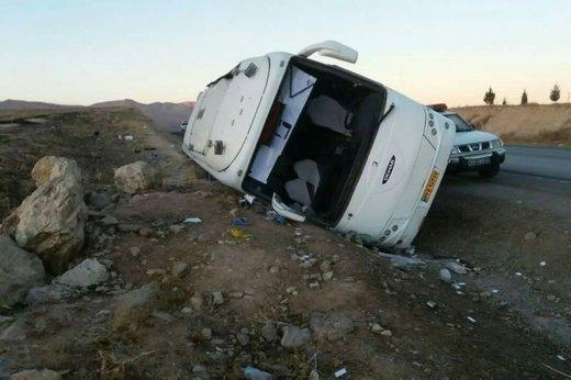 واژگونی اتوبوس زائران حرم رضوی در ملایر