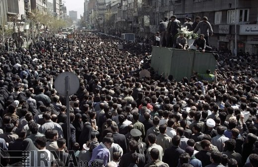 26 اسفند 1373؛درگذشت حجت الاسلام و المسلمین حاج سید احمد خمینی