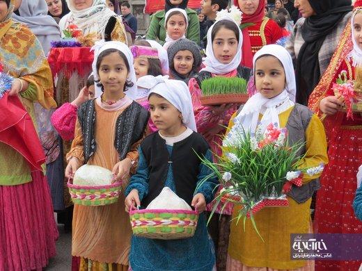کارناوال استقبال از نوروز ۹۸ در خیابانهای آستارا