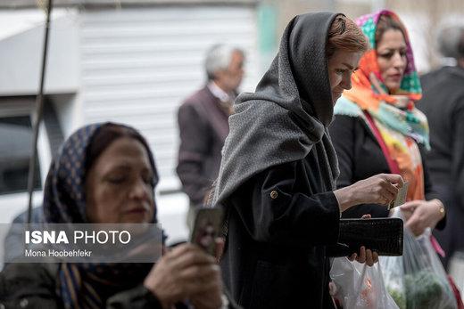 فروشندگان میگویند دلیل اختلاف قیمت برخی از میوهها در نقاط مختلف شهر تهران، تفاوت کیفیت آنهاست؛ اقلام درجه یک مشتری خاص خود را در مناطق شمالی این شهر دارند
