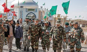 بازدید فرمانده نیروی زمینی ارتش از مناطق عملیاتی راهیان نور
