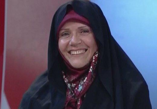پزشک زنی که چهره مردمی سال شد/ بار روی دوشم سنگینتر شده است