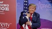 نتایج نظرسنجی درباره محبوبیت ترامپ/ او قربانی «شکار جادوگر» شده!