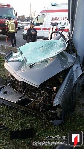 تصادف پژو206 با  پژو 405 و تابلوی راهنمایی  در جاده مخصوص کرج