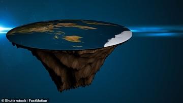 سفر ۲۰۲۰ معتقدان به گردنبودن زمین به قطب جنوب برای رسیدن به «تَهِ دنیا»