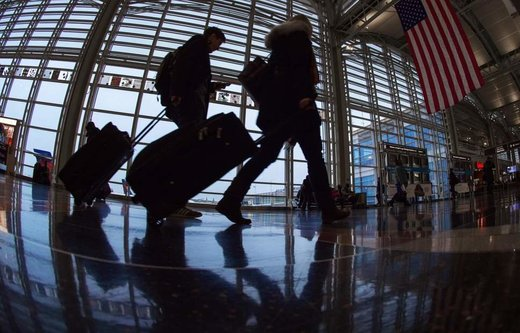 هشدار به مسافران: از پرواز و قطار جا نمانید