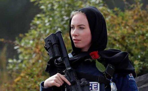 حجاب پلیس نیوزلند در تشییع قربانیان حمله تروریستی