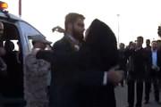 فیلم | لحظه بازگشت مرزبان ربوده شده مشهدی به آغوش خانواده