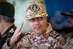 دستور سرلشکر باقری به نیروهای مسلح: تا بازگشت آرامش به مردم مناطق سیلزده بمانید