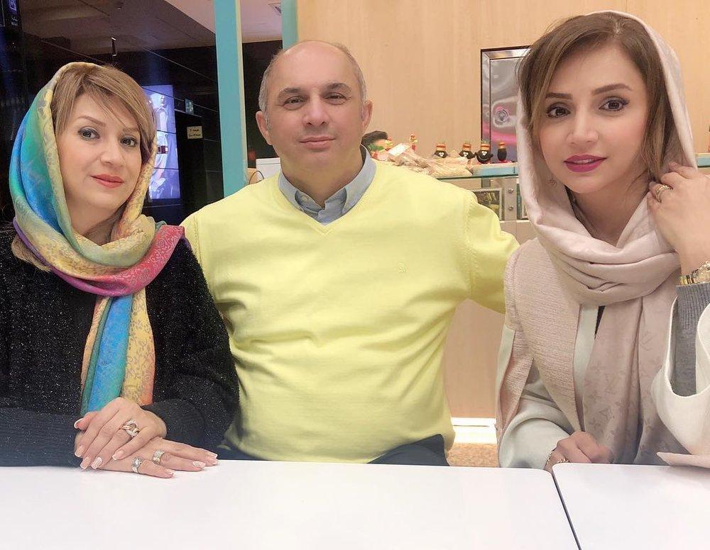 عکس | شبنم قلیخانی در کنار برادر و خواهرش