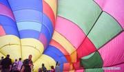 تصاویر | پرواز بالنهای رنگین در آسمان نیوزیلند
