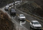 بارش برف در محورهای مواصلاتی آذربایجانغربی/ تردد در کلیه راهها برقرار است
